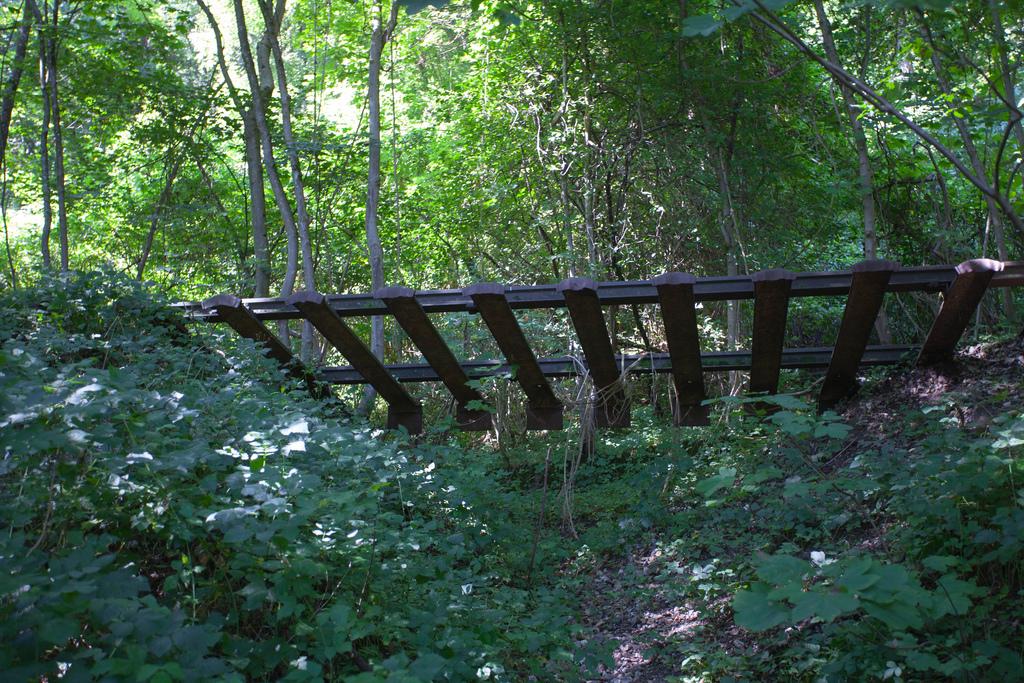 Wasserburg Erdrutsch, schwebende Gleise,
