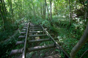 Wasserburg Erdrutsch, schwebende Gleise