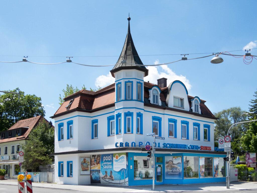 Spitzhelmdach Truderinger Straße