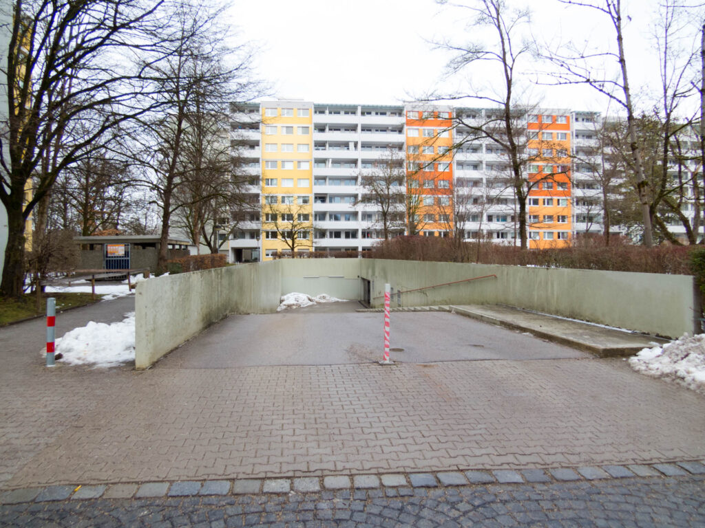Nawiaskystraße, rechte Tiefgarage