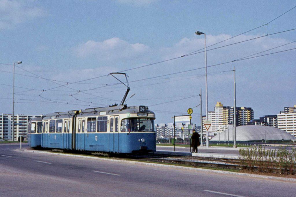Tram Fritz-Schäffer-Straße
