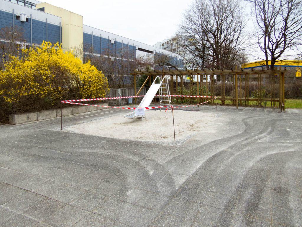 Corona-Spielplatz KMR 52-62