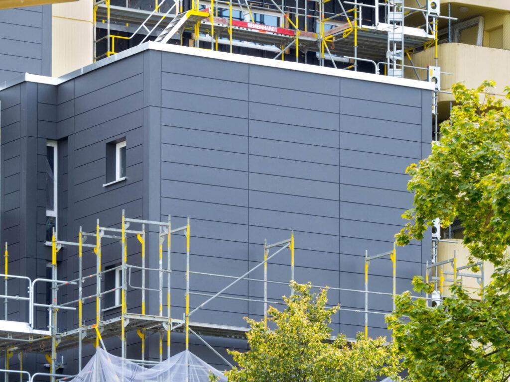 Neue Fassadenplatten Peschelanger